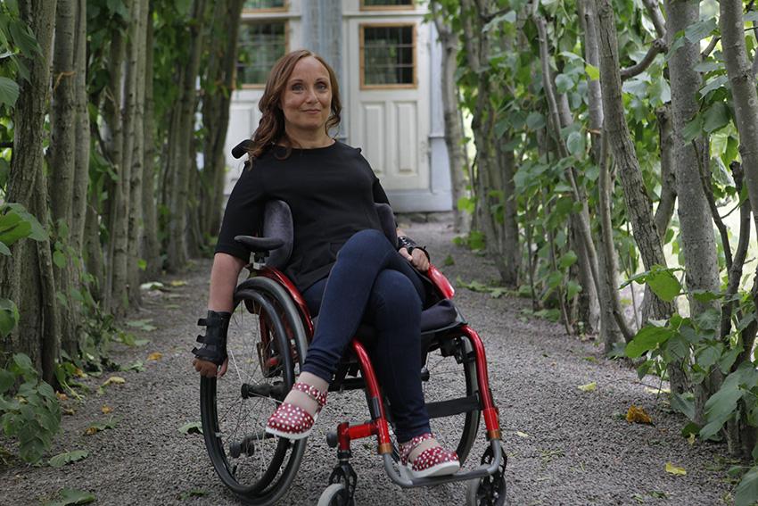 Annika Taesler i sommarmiljö